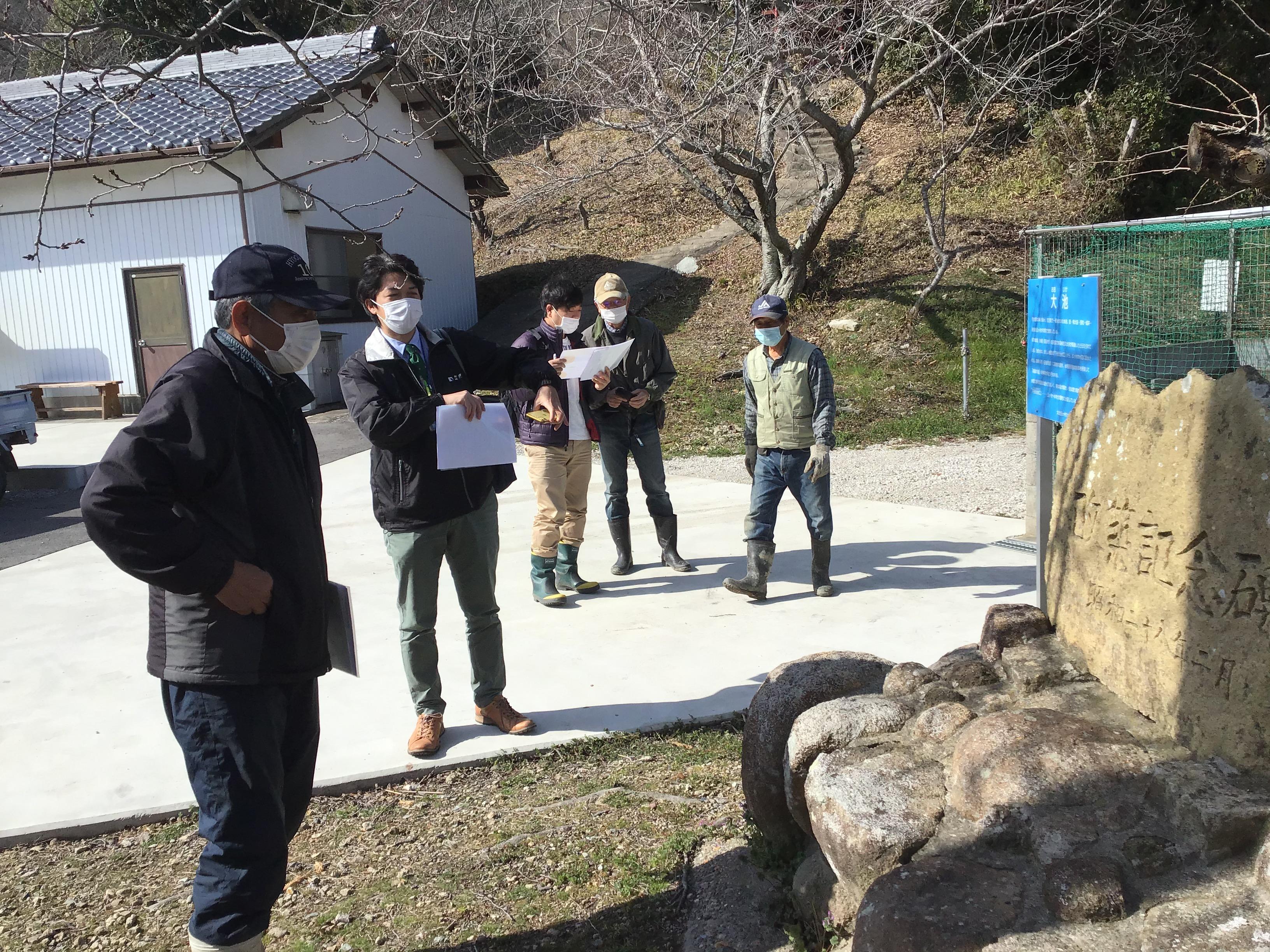 左手前から、北本代表、野村班長、柴崎先生、北本副代表、三輪役員