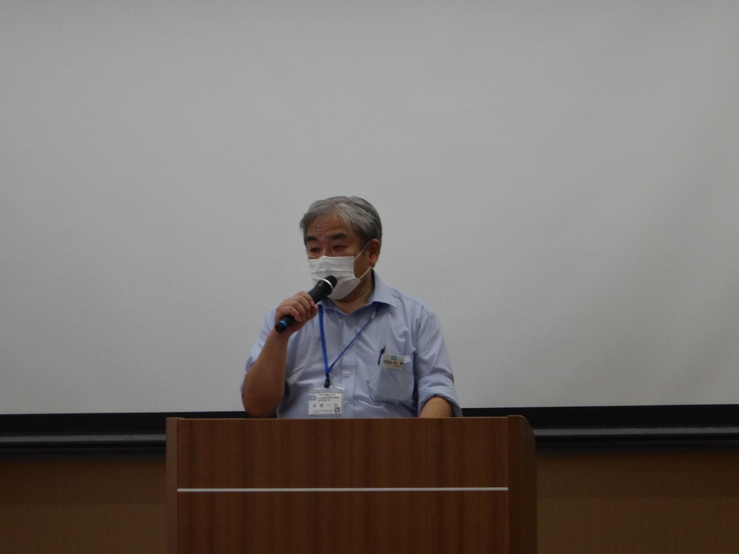 岩橋さんが大雨時の対策としての諸注意、ため池事前点検、ため池治水活用拡大促進事業について説明されました。