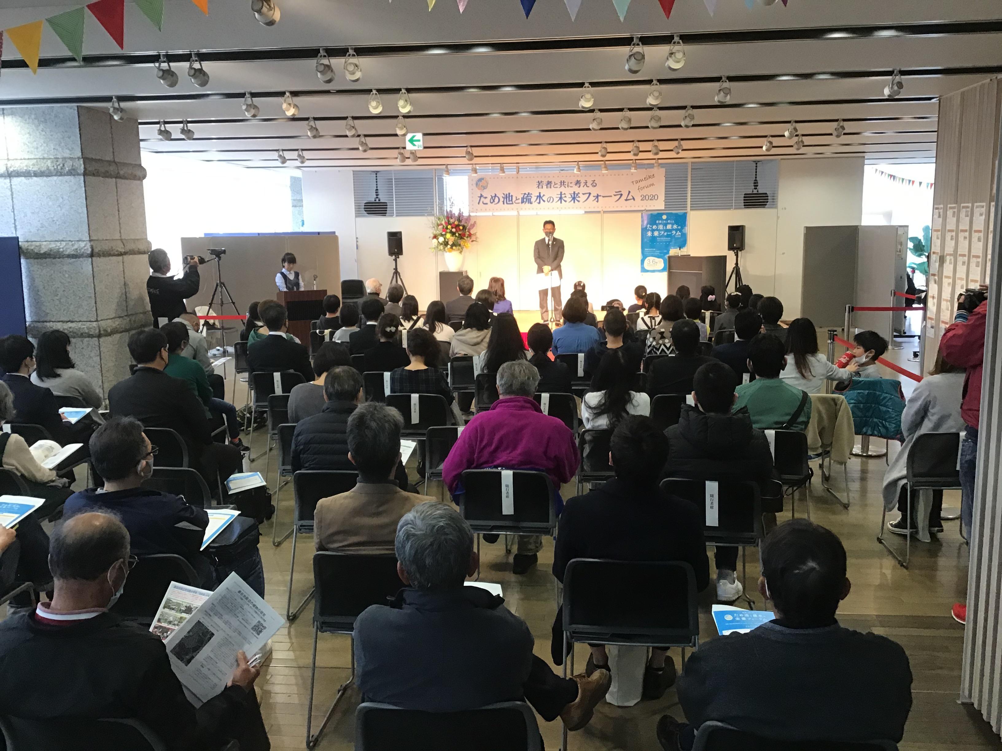 『ピンチをチャンスに変えようではないか❢❢』伊藤裕文東播磨県民局長挨拶。コロナ過の中、東播磨高校甲子園出場の明るい話題等。