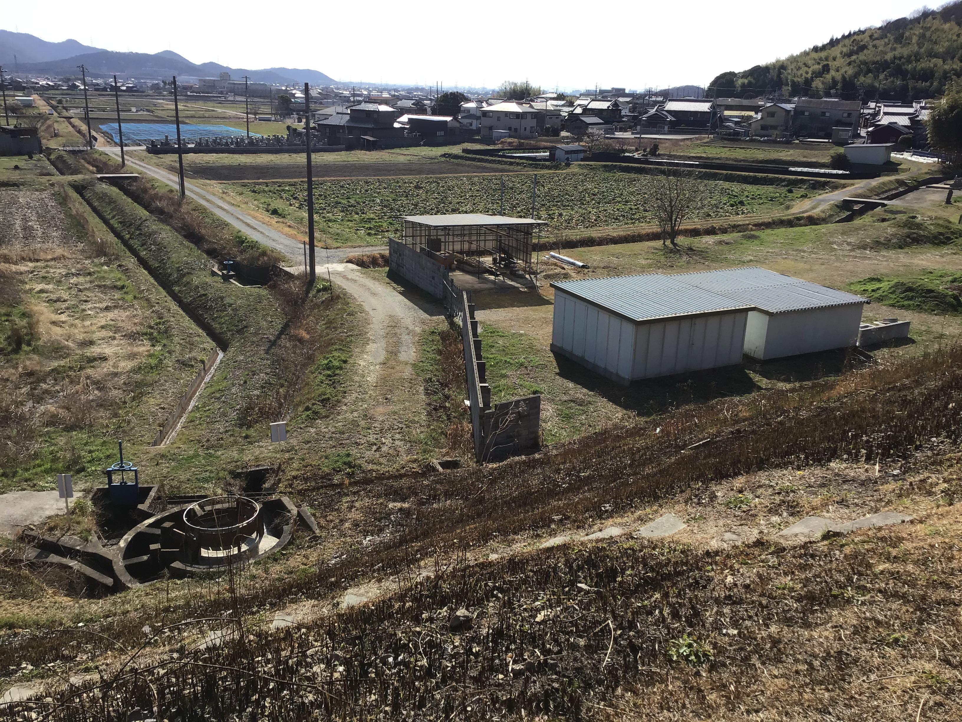 円形分水工から下流への20mの水路拡幅要望。